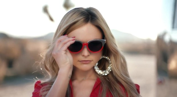 miranda lambert little red wagon music video